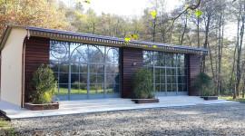 veranda con serramenti a battente