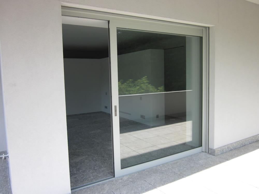 Ventanas y puertas correderas bassetti serramenti - Puertas correderas externas ...